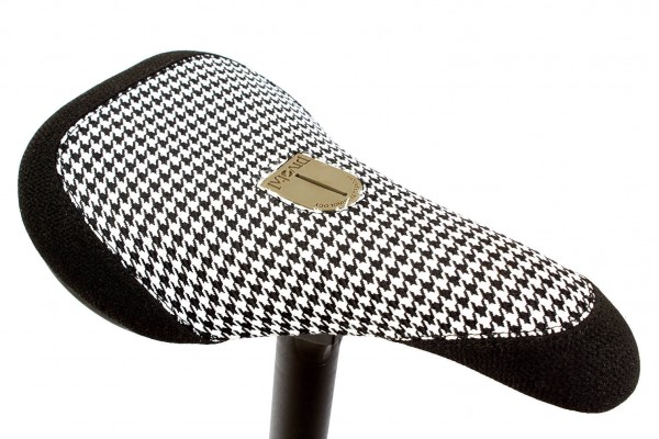 KHEbikes Sattel schwarz weiß Pivotal - W100